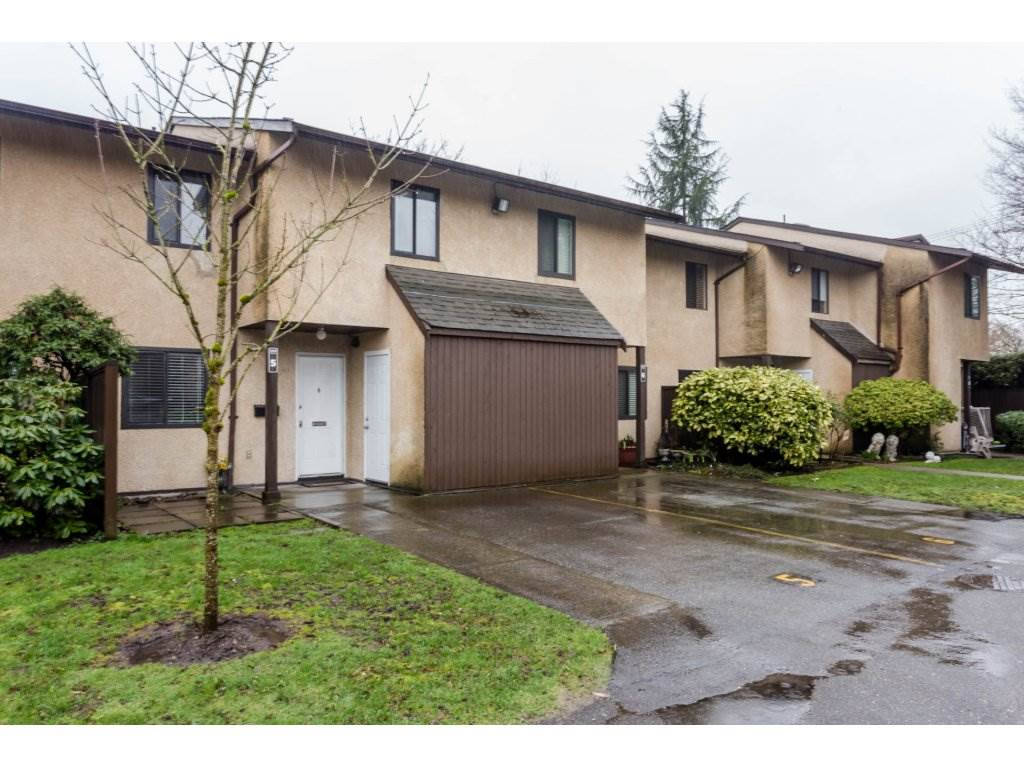 "Main Photo: 5 20301 53 Avenue in Langley: Langley City Townhouse for sale in ""MCMILLAN PLACE"" : MLS(r) # R2151972"