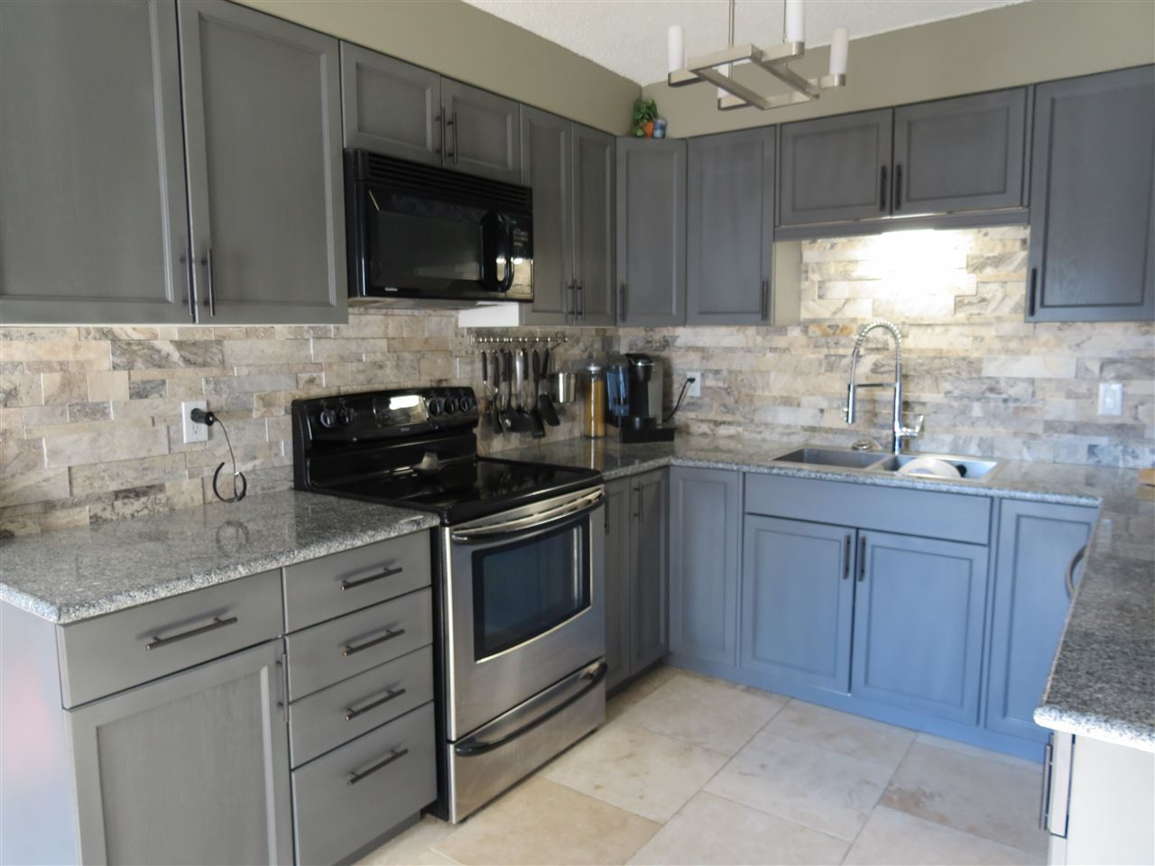 Photo 7: 69 Prospect Place: Cardiff House for sale : MLS(r) # E4059588