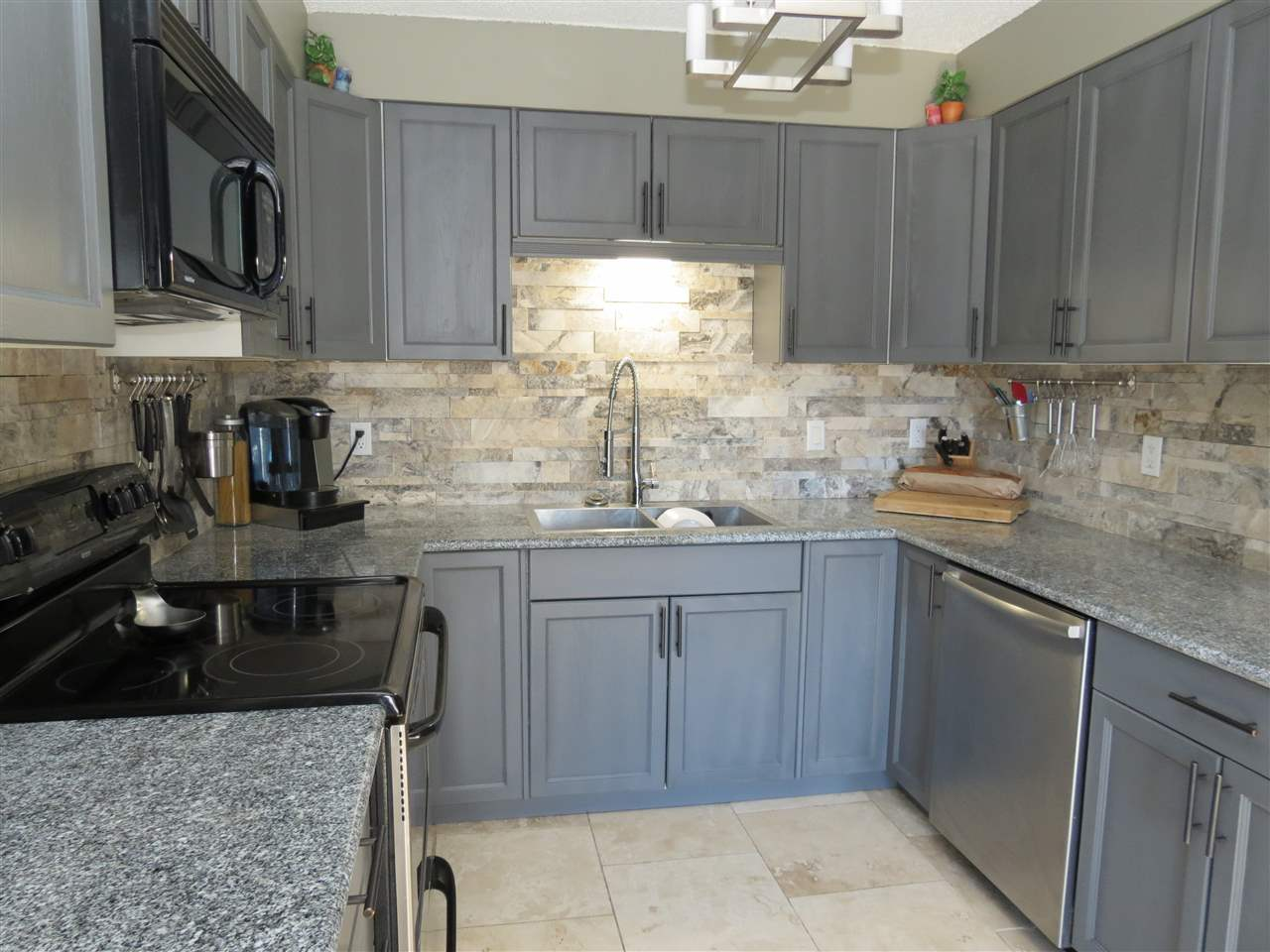 Photo 8: 69 Prospect Place: Cardiff House for sale : MLS(r) # E4059588