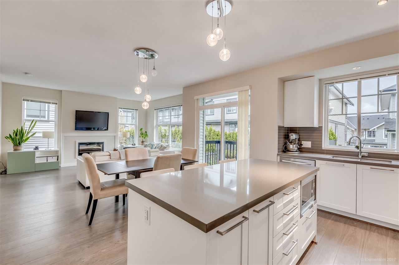 "Photo 9: 28 3470 HIGHLAND Drive in Coquitlam: Burke Mountain Townhouse for sale in ""BRIDLEWOOD"" : MLS® # R2162028"