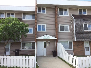 Main Photo: 402B 2908 116A Avenue in Edmonton: Zone 23 Condo for sale : MLS(r) # E4065972