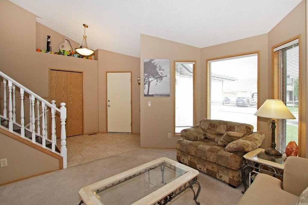 Photo 2: 85 SHAWBROOKE Circle SW in Calgary: Shawnessy House for sale : MLS(r) # C4119932