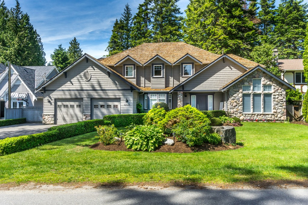 "Main Photo: 12505 22ND Avenue in Surrey: Crescent Bch Ocean Pk. House for sale in ""OCEAN PARK"" (South Surrey White Rock)  : MLS® # R2174907"