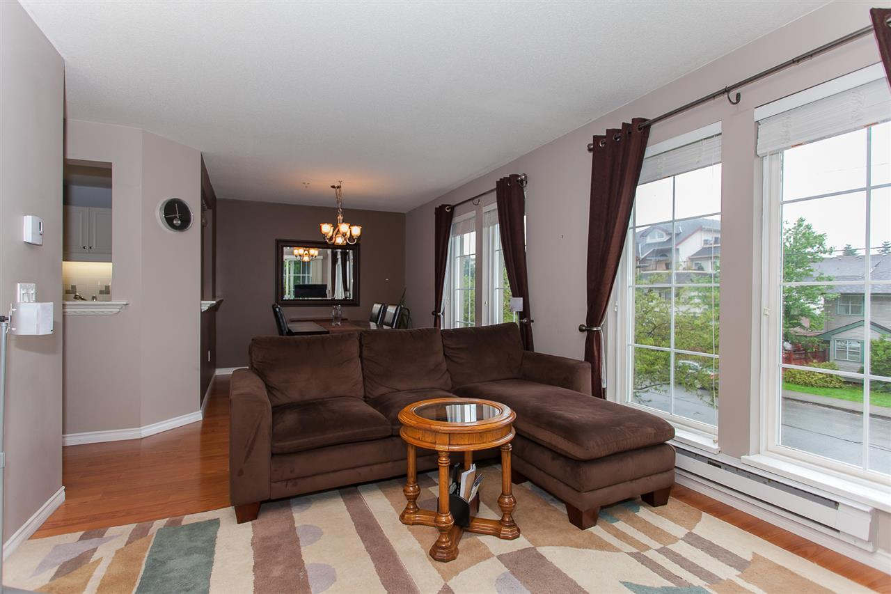 "Photo 10: 203 1669 GRANT Avenue in Port Coquitlam: Glenwood PQ Condo for sale in ""THE CHARLESTON"" : MLS(r) # R2177195"