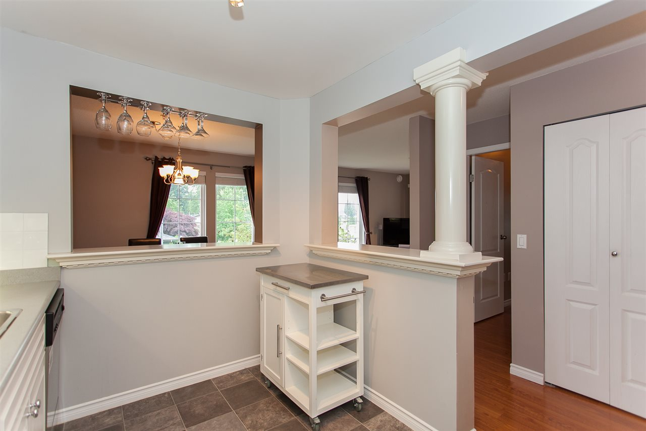 "Photo 7: 203 1669 GRANT Avenue in Port Coquitlam: Glenwood PQ Condo for sale in ""THE CHARLESTON"" : MLS(r) # R2177195"