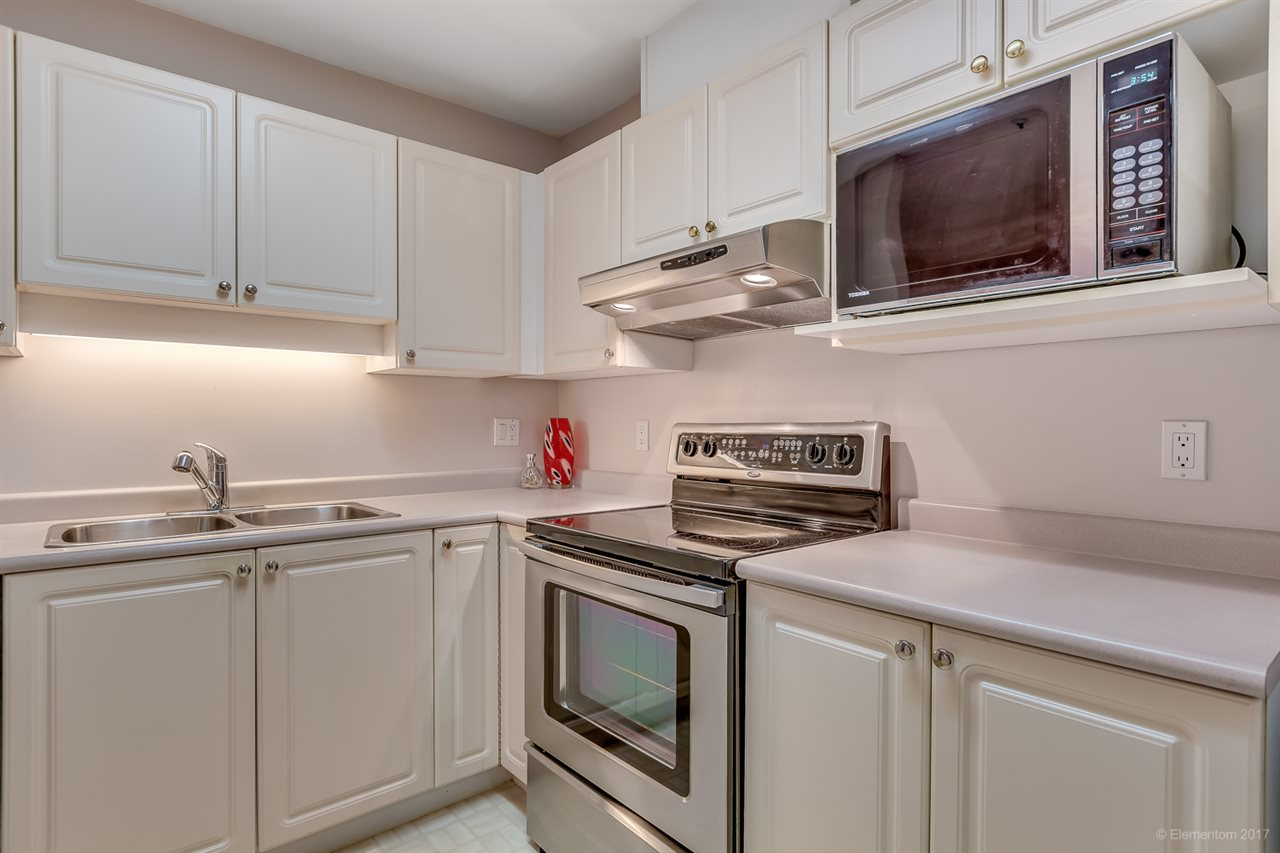 "Photo 8: 206 2968 BURLINGTON Drive in Coquitlam: North Coquitlam Condo for sale in ""The Burlington"" : MLS® # R2178002"