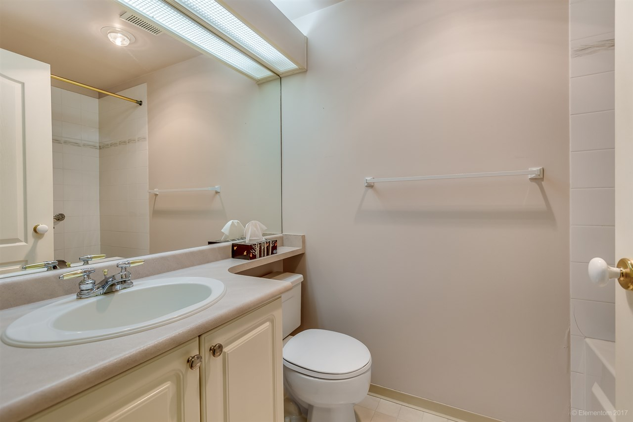 "Photo 15: 206 2968 BURLINGTON Drive in Coquitlam: North Coquitlam Condo for sale in ""The Burlington"" : MLS® # R2178002"