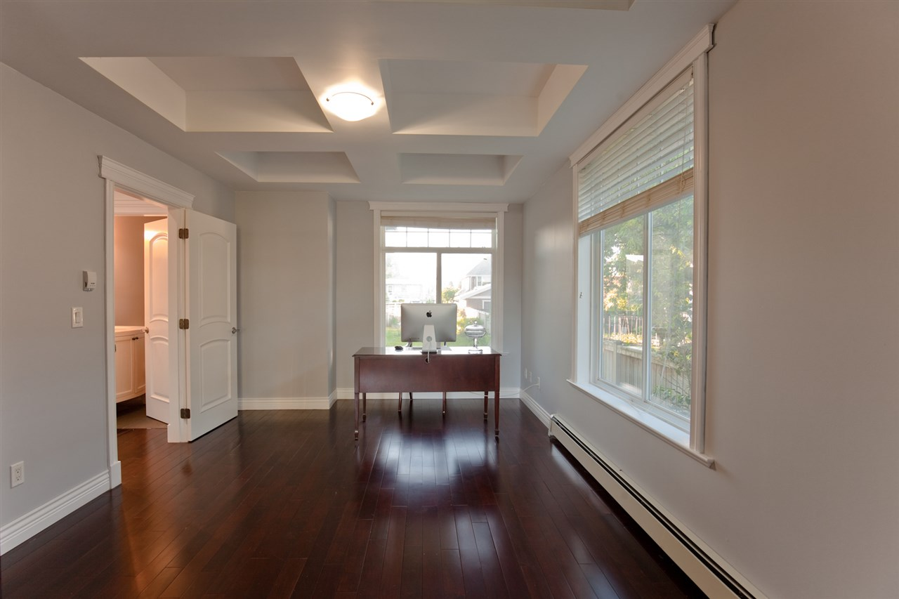 "Photo 15: 1631 FOSTER Avenue in Coquitlam: Central Coquitlam House for sale in ""CENTRAL COQUITLAM"" : MLS(r) # R2179065"