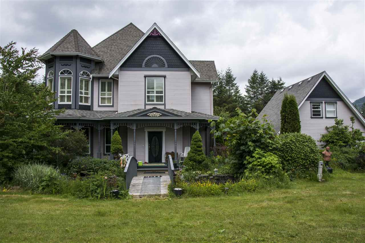Main Photo: 280 KOSIKAR Road: Columbia Valley House for sale (Cultus Lake)  : MLS(r) # R2183069