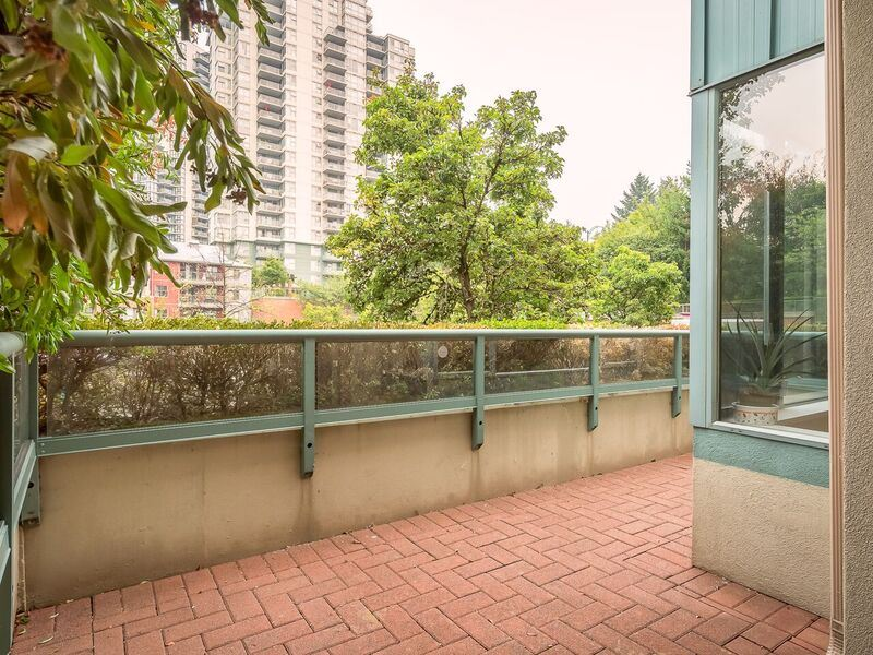 "Photo 15: 215 220 NEWPORT Drive in Port Moody: North Shore Pt Moody Condo for sale in ""THE ELGIN"" : MLS® # R2194605"
