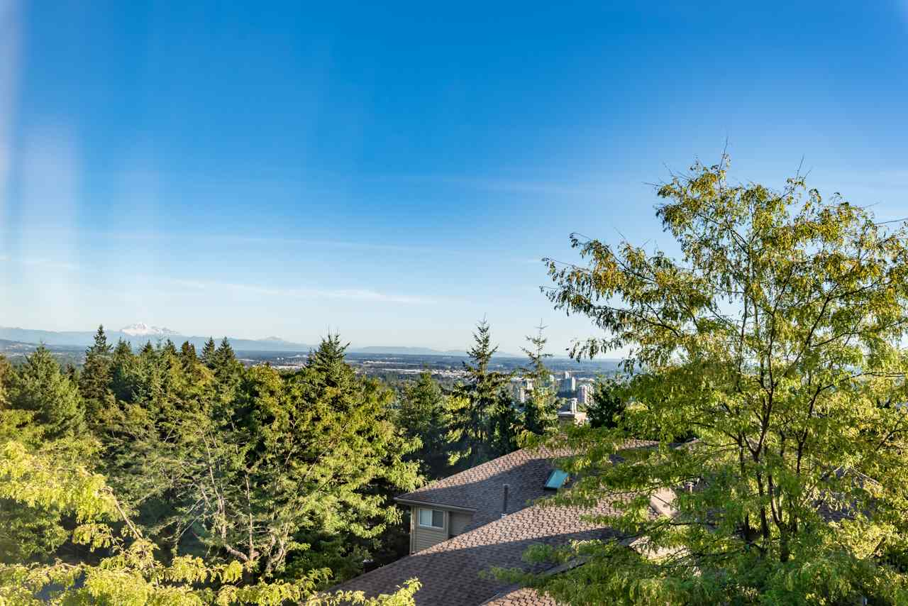 Main Photo: 148 2979 PANORAMA Drive in Coquitlam: Westwood Plateau Townhouse for sale : MLS® # R2204782