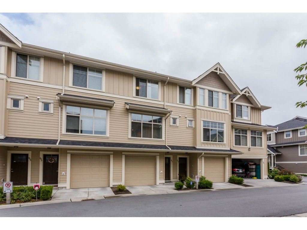 Main Photo: 61 19525 73 Avenue in Surrey: Clayton Townhouse for sale (Cloverdale)  : MLS®# R2209643