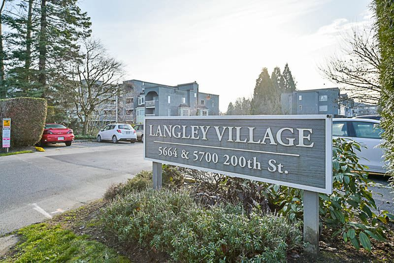 "Main Photo: 208 5664 200 Street in Langley: Langley City Condo for sale in ""Langley Village"" : MLS® # R2227172"