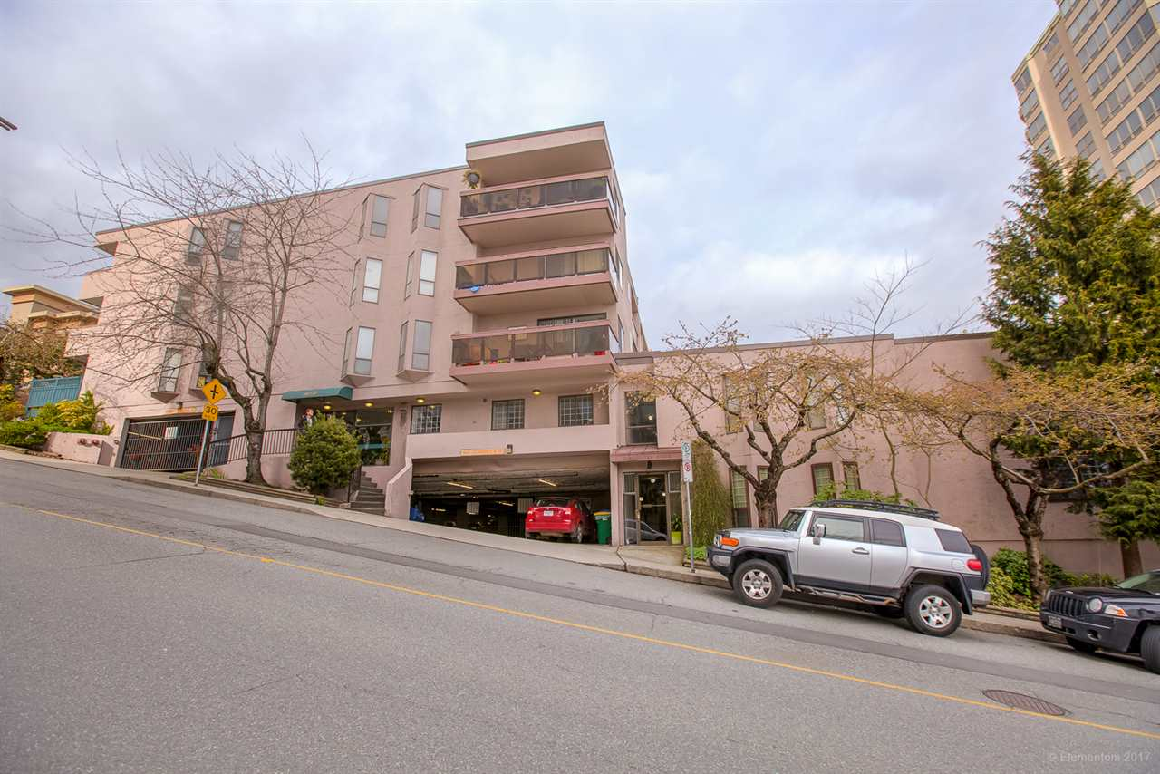 "Main Photo: 306 45 FOURTH Street in New Westminster: Downtown NW Condo for sale in ""DORCHESTER HOUSE"" : MLS®# R2274181"