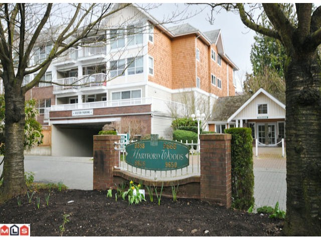 Main Photo: 213 9688 148 Street in Surrey: Guildford Condo for sale : MLS® # F1006048