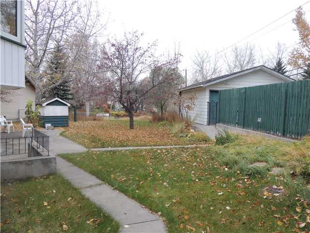 Photo 3: 312 DALGLEISH Bay NW in CALGARY: Dalhousie Residential Detached Single Family for sale (Calgary)  : MLS(r) # C3590245