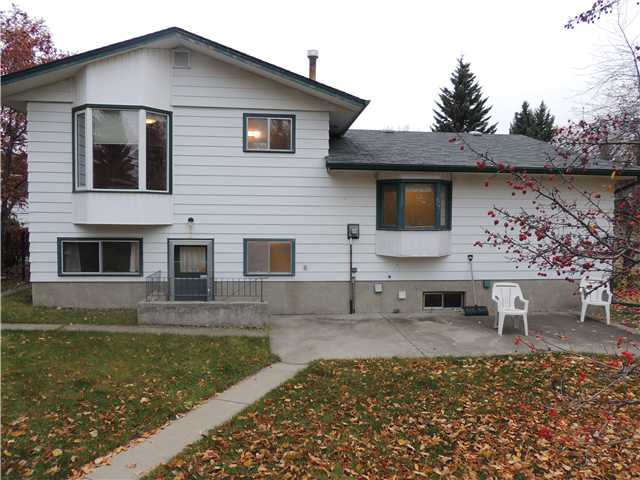Photo 2: 312 DALGLEISH Bay NW in CALGARY: Dalhousie Residential Detached Single Family for sale (Calgary)  : MLS(r) # C3590245
