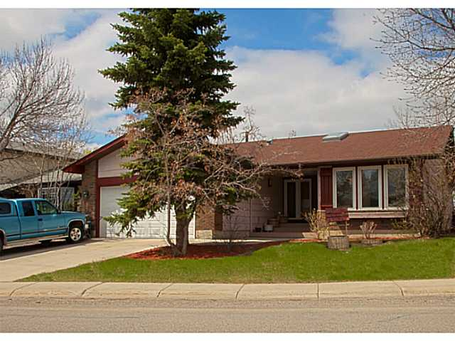 Main Photo: 34 DOWNEY Road: Okotoks Residential Detached Single Family for sale : MLS® # C3616084