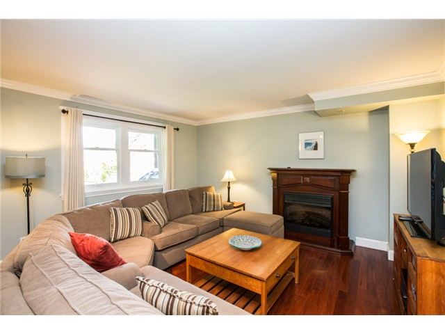 Photo 9: 227 REGINA Street in New Westminster: Queens Park House for sale : MLS® # V1065391