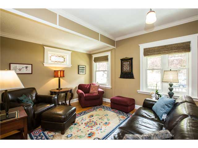 Photo 3: 227 REGINA Street in New Westminster: Queens Park House for sale : MLS® # V1065391