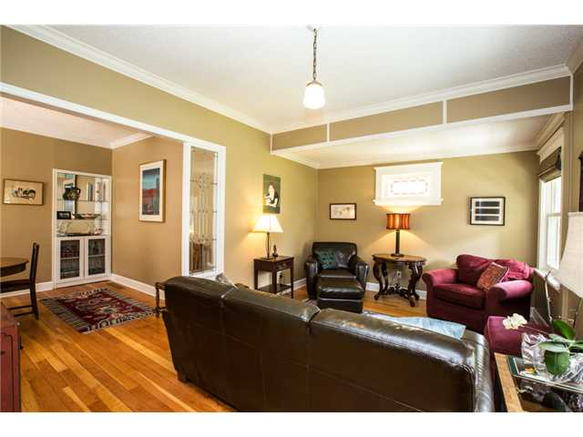 Photo 2: 227 REGINA Street in New Westminster: Queens Park House for sale : MLS® # V1065391