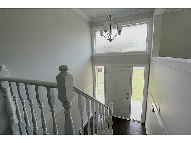 Photo 2: 33247 RAVINE Avenue in Abbotsford: Central Abbotsford House for sale : MLS® # F1441673