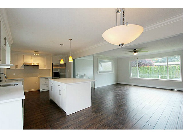 Photo 10: 33247 RAVINE Avenue in Abbotsford: Central Abbotsford House for sale : MLS® # F1441673