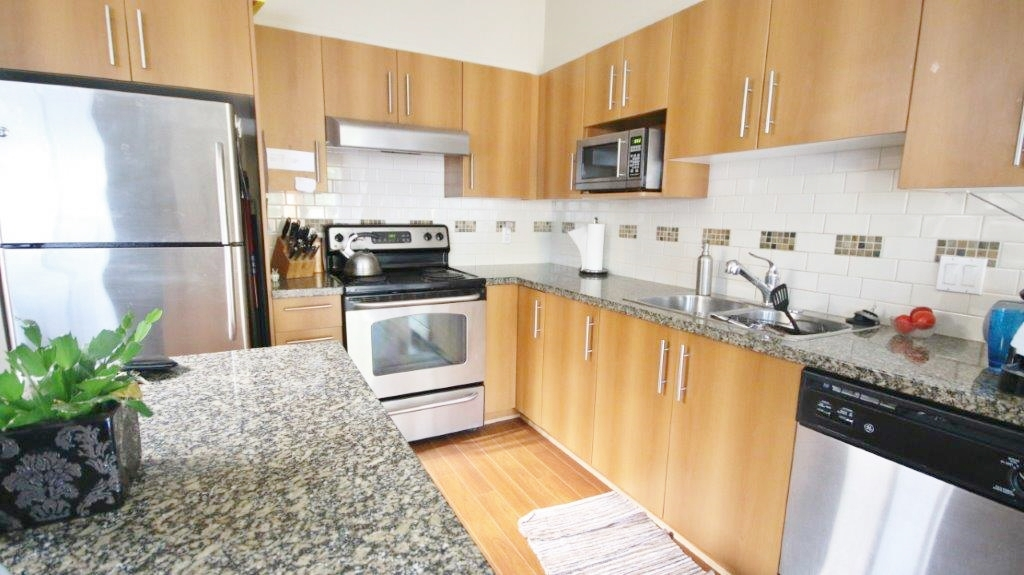 "Photo 5: 74 8089 209 Street in Langley: Willoughby Heights Townhouse for sale in ""Arborel Park"" : MLS® # R2025871"