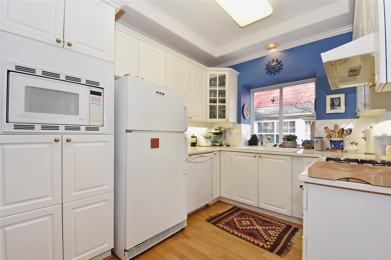 Photo 6: 1819 W 11TH Avenue in Vancouver: Kitsilano Townhouse for sale (Vancouver West)  : MLS® # R2043324