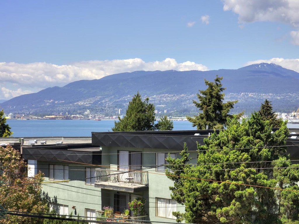 "Photo 15: 309 2255 ETON Street in Vancouver: Hastings Condo for sale in ""Eton Villa"" (Vancouver East)  : MLS® # R2067460"