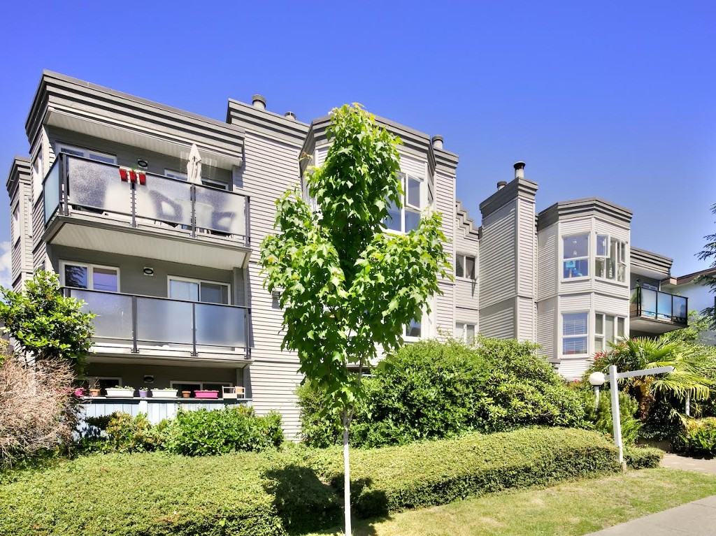 "Main Photo: 309 2255 ETON Street in Vancouver: Hastings Condo for sale in ""Eton Villa"" (Vancouver East)  : MLS(r) # R2067460"