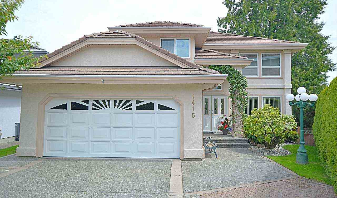 "Main Photo: 1415 BRISBANE Avenue in Coquitlam: Harbour Chines House for sale in ""HARBOUR/CHINESIDE"" : MLS®# R2082656"