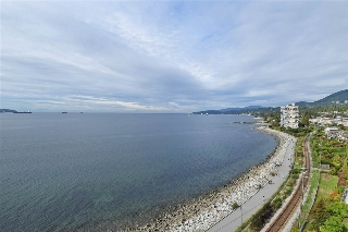 "Main Photo: 6 2250 BELLEVUE Avenue in West Vancouver: Dundarave Condo for sale in ""LES TERRACES"" : MLS(r) # R2093617"