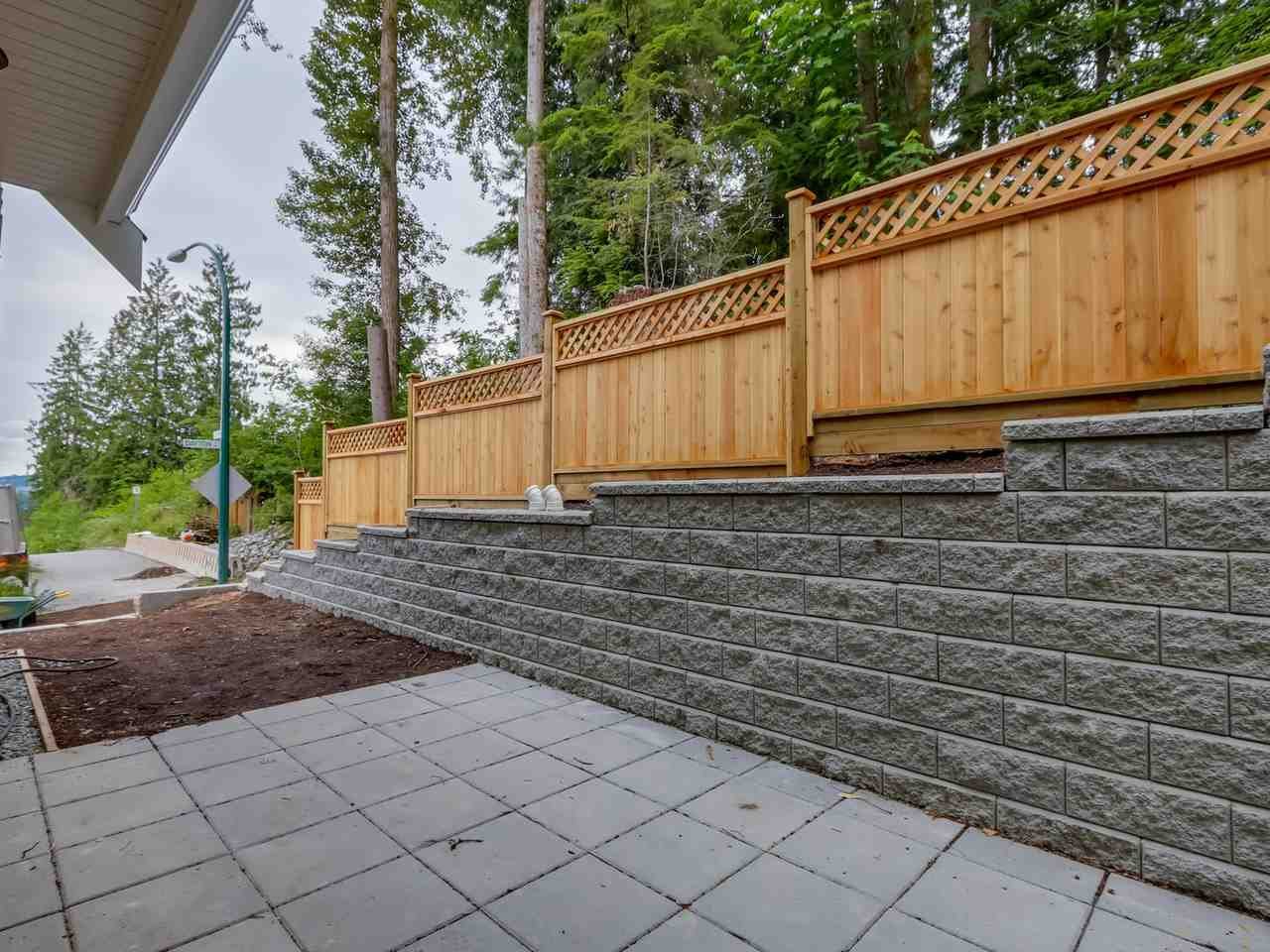 "Photo 3: 103 1405 DAYTON Street in Coquitlam: Burke Mountain Townhouse for sale in ""ERICA"" : MLS® # R2123284"