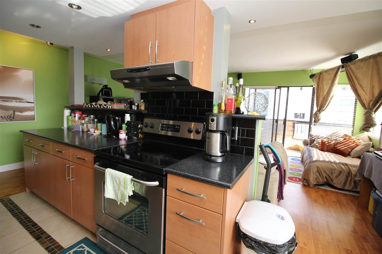 Photo 3: 309 410 AGNES Street in New Westminster: Downtown NW Condo for sale : MLS(r) # R2151160