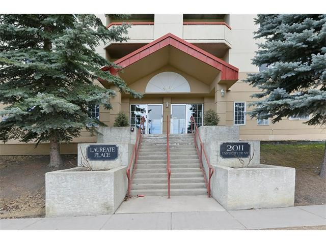 Photo 2: 102 2011 UNIVERSITY Drive NW in Calgary: University Heights Condo for sale : MLS® # C4108581
