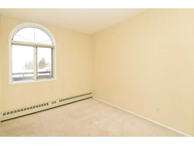 Photo 15: 102 2011 UNIVERSITY Drive NW in Calgary: University Heights Condo for sale : MLS® # C4108581