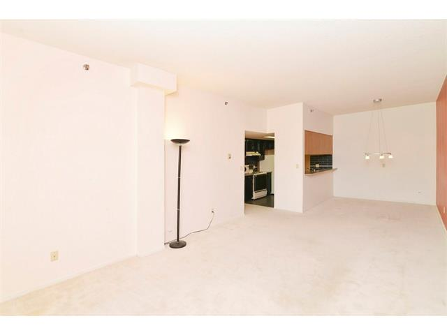 Photo 11: 102 2011 UNIVERSITY Drive NW in Calgary: University Heights Condo for sale : MLS® # C4108581