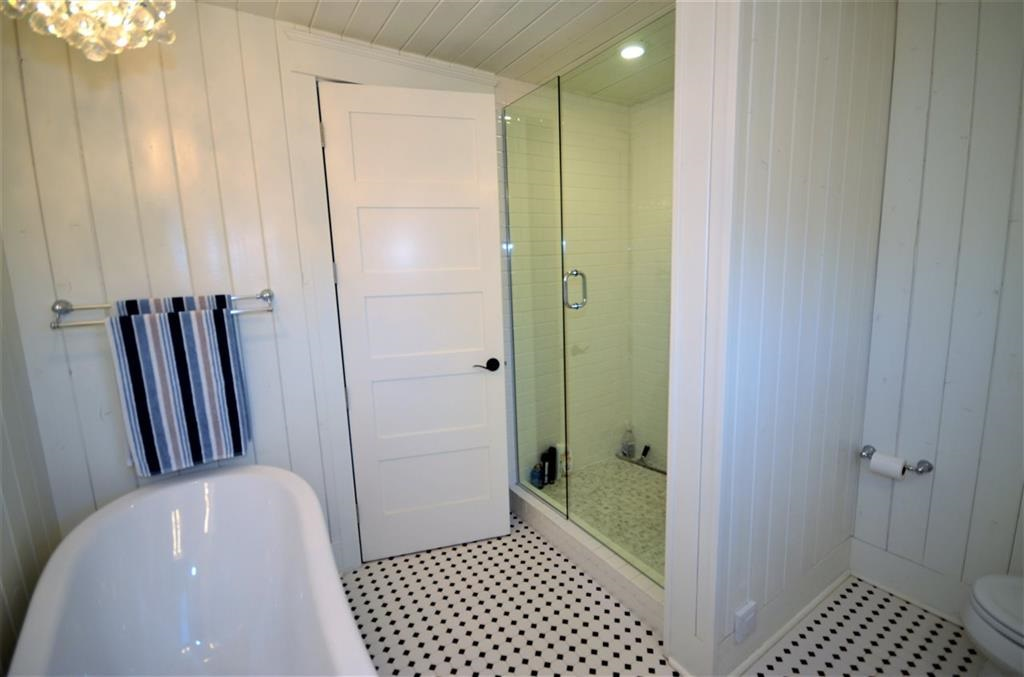 5 Piece Bathroom Upstairs, just off of the Master Bedroom
