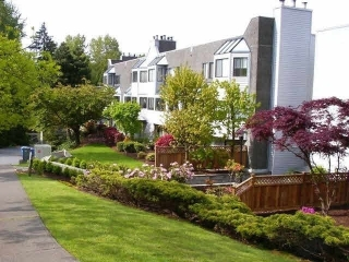 "Main Photo: 5 9620 MANCHESTER Drive in Burnaby: Cariboo Condo for sale in ""Brookside"" (Burnaby North)  : MLS(r) # R2157846"