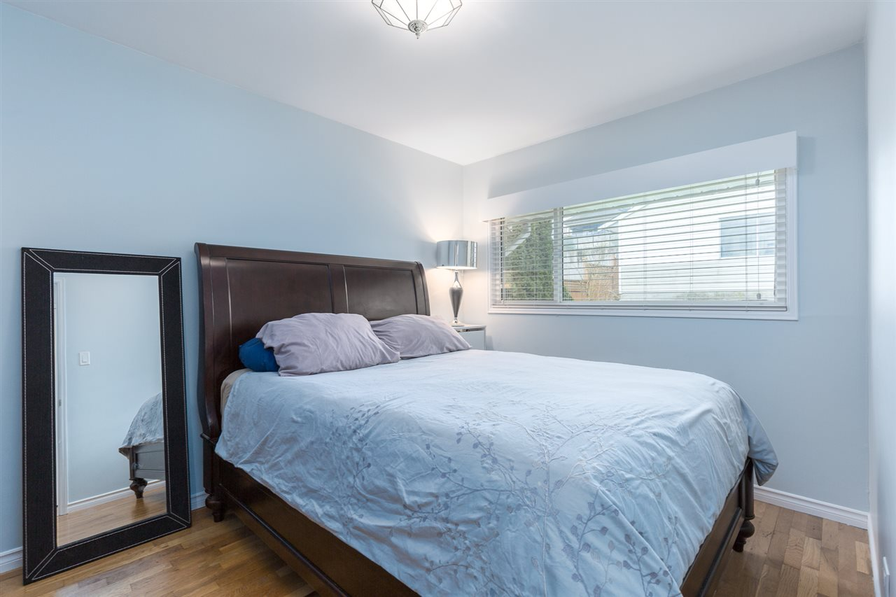 "Photo 11: 7052 SIERRA Drive in Burnaby: Westridge BN House for sale in ""WESTRIDGE"" (Burnaby North)  : MLS® # R2171540"