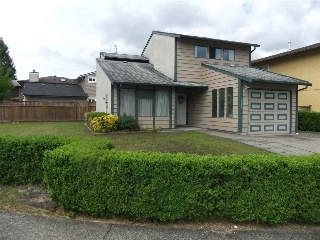 Main Photo: 3189 TOBA Drive in Coquitlam: New Horizons House for sale : MLS(r) # R2172480