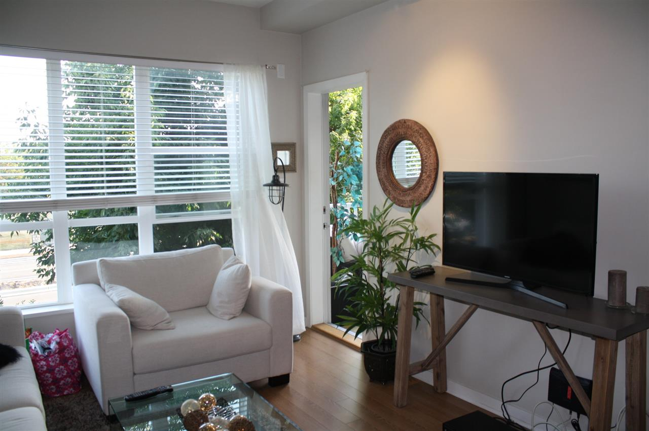 "Photo 7: Photos: 317 6440 194 Street in Surrey: Clayton Condo for sale in ""Waterstone"" (Cloverdale)  : MLS® # R2199257"