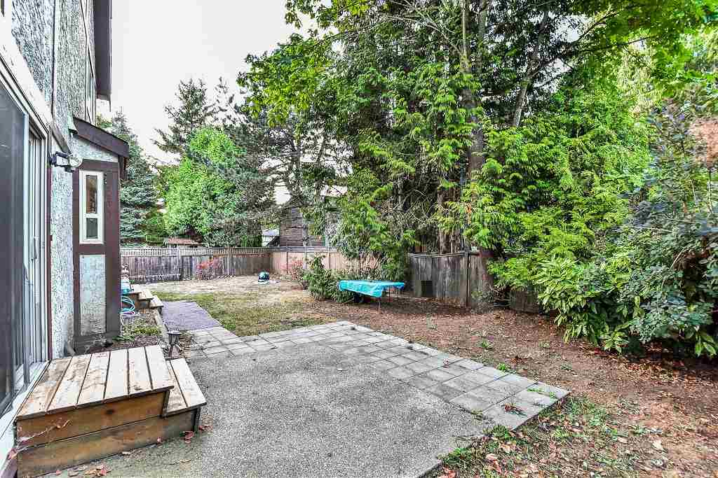 Photo 3: 13123 61A Avenue in Surrey: Panorama Ridge House for sale : MLS® # R2204964
