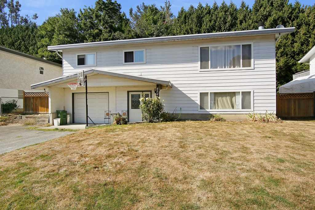 Main Photo: 45419 MCINTOSH Drive in Chilliwack: Chilliwack W Young-Well House for sale : MLS® # R2205456