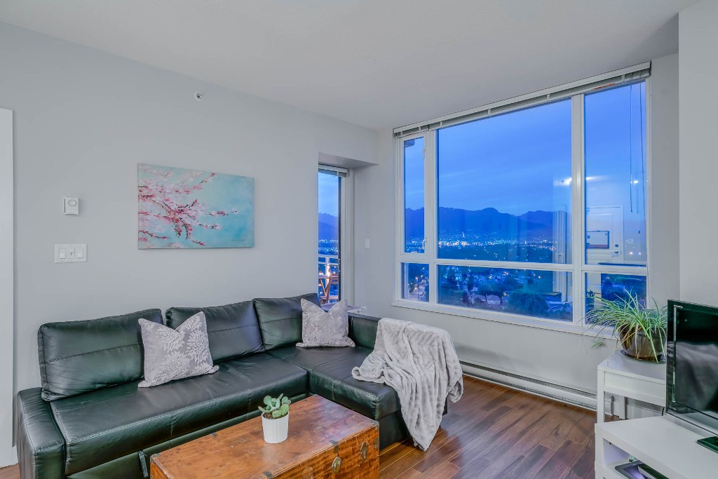 "Photo 3: Photos: 1406 4028 KNIGHT Street in Vancouver: Knight Condo for sale in ""KING EDWARD VILLAGE"" (Vancouver East)  : MLS®# R2206936"