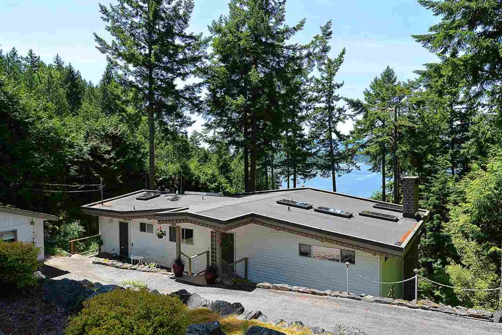 Main Photo: 5208 Claydon Road in Pender Harbour: Pender Harbour Egmont House for sale (Sunshine Coast)  : MLS®# R2175260