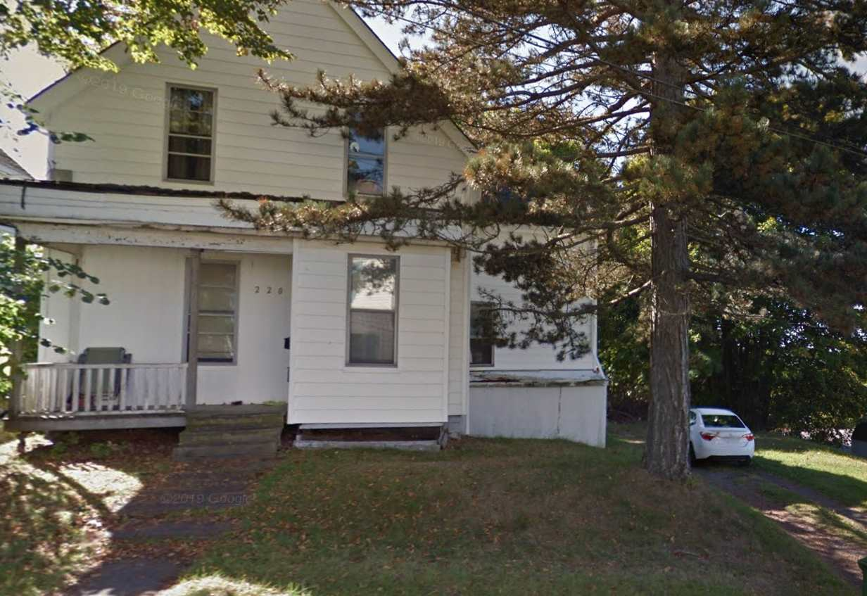 FEATURED LISTING: 220 OAK Street New Glasgow