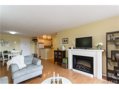 Photo 4: 503 4030 Quadra Street in VICTORIA: SE High Quadra Condo Apartment for sale (Saanich East)  : MLS(r) # 334858