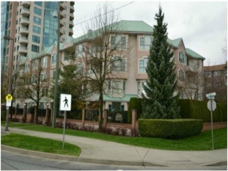 "Main Photo: 403E 3081 GLEN Drive in Coquitlam: North Coquitlam Condo for sale in ""PARC LAURENT"" : MLS®# V1084214"